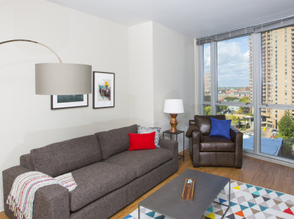 Extra-Large One Bedroom with Expansive City Views
